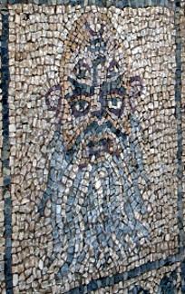 Lo stesso mosaico raffigurante il sileno visto dalla parte opposta