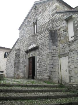 Codiponte la facciata della pieve dei santi Cornelio e Cipriano