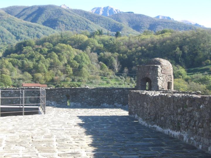 Pontremoli, il castello del Piagnaro, il cortile