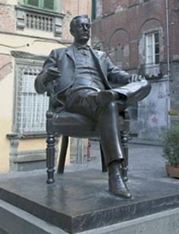 Lucca, monumento a Giacomo Puccini