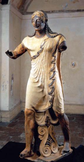 Apollo di Veio, acconciatura, panneggio, espressione di evidente influenza ionica (VI-V sec. a.C.)