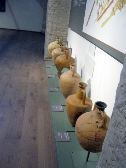 Museo delle navi antiche di Pisa, anfore da trasporto
