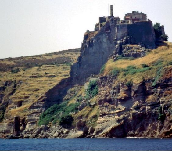 Capraia Forte San Giorgio e la torretta del Bagno